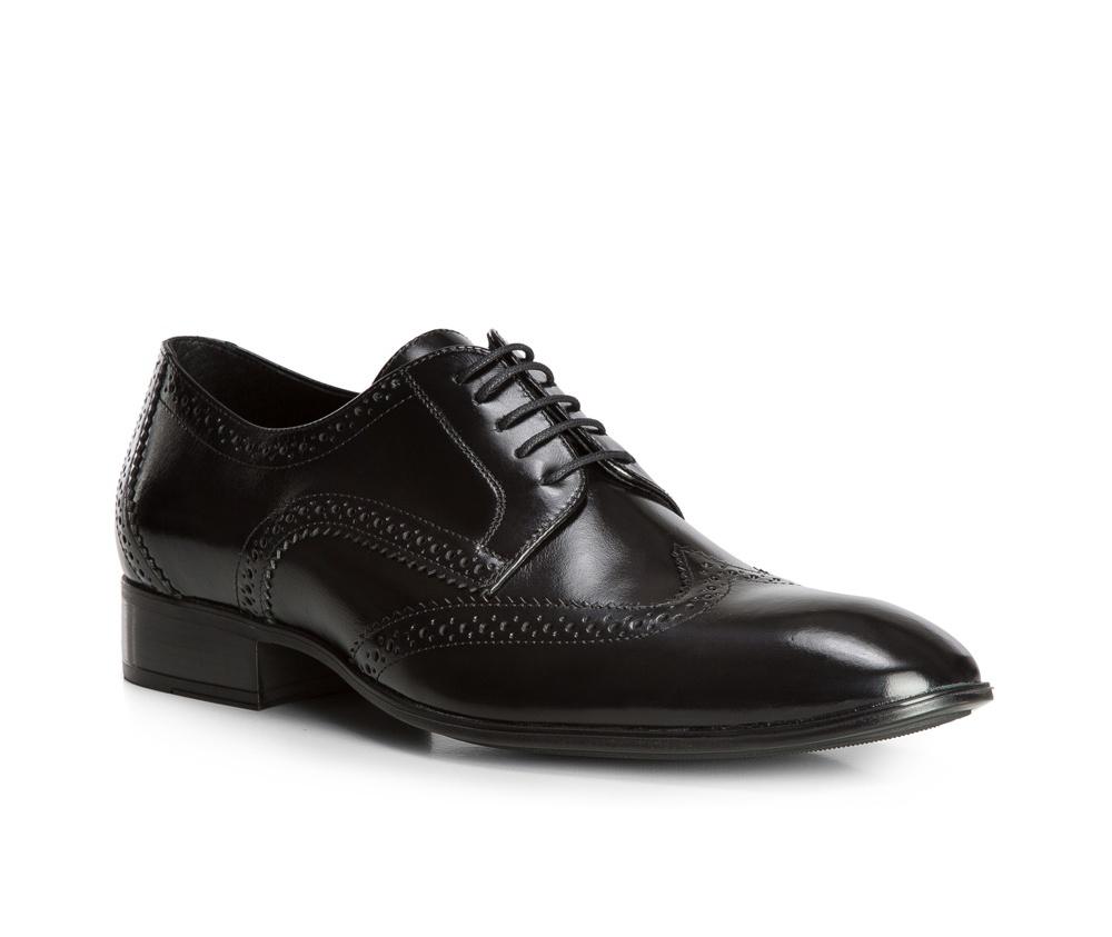 Обувь мужскаяТуфли мужские типа Дерби. Изготовленные по технологии Hand Made выполнены полностью из натуральной итальянской кожи наивысшего качества. Подошва полностью сделана из качественного синтетического материала. Эта модель идеально подходит для тех кому нравится классика и функциональность.<br><br>секс: мужчина<br>Цвет: черный<br>Размер EU: 44<br>материал:: Натуральная кожа<br>примерная высота каблука (см):: 3,5