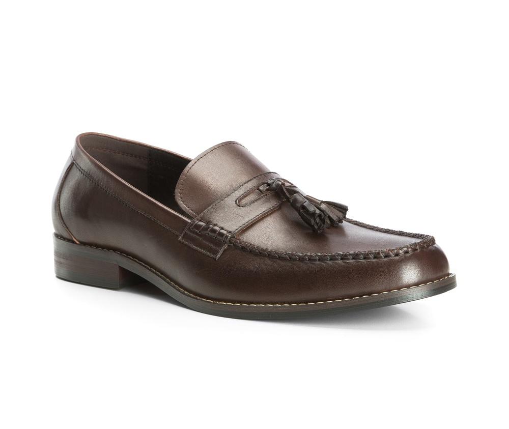 Обувь мужскаяТуфли мужские типа  Мокасины. Изготовленные по технологии Hand Made и выполнены полностью из натуральной итальянской кожи наивысшего качества. Подошва  сделана из качественного синтетического материала. Стильный вид этой обуви придется по вкусу каждому.<br><br>секс: мужчина<br>Цвет: коричневый<br>Размер EU: 44<br>материал:: Натуральная кожа<br>примерная высота каблука (см):: 3