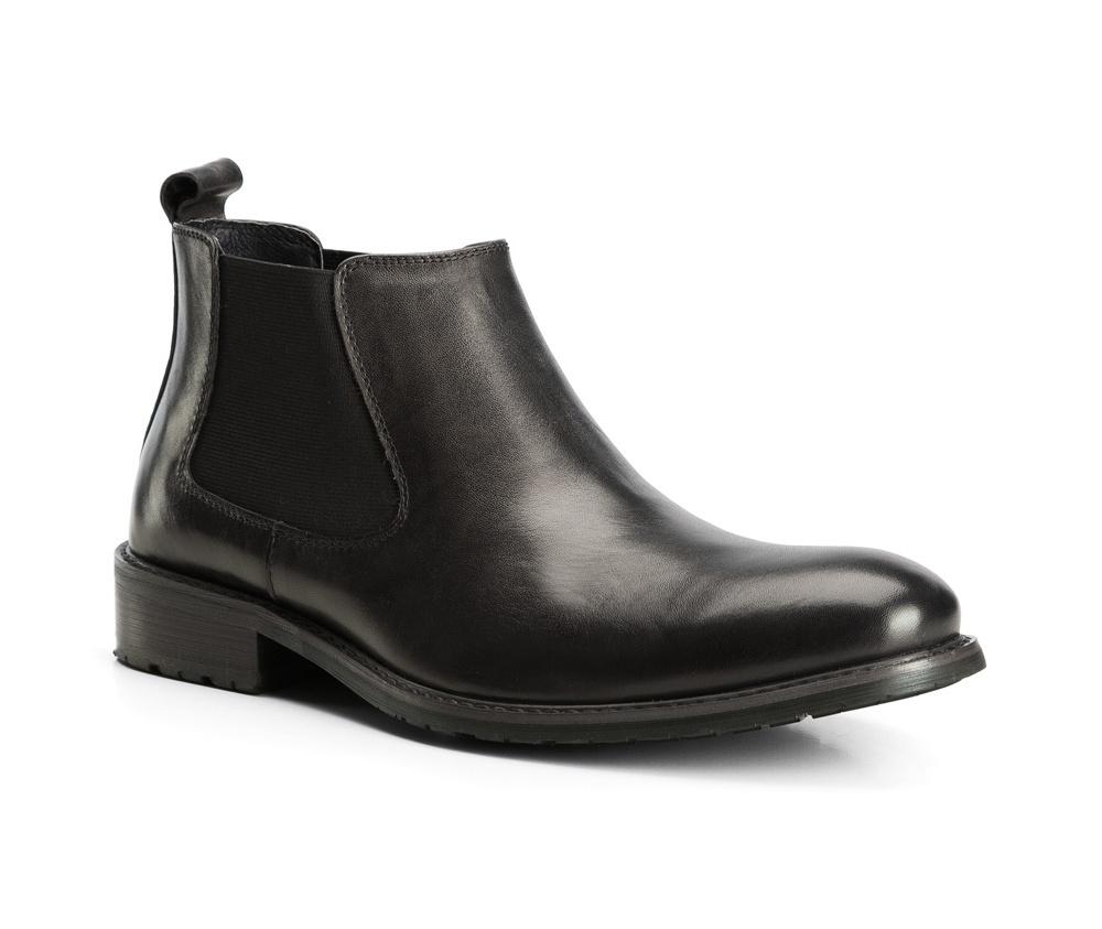 Обувь мужскаяТуфли мужские. Изготовленные по технологии Hand Made выполнены полностью из натуральной итальянской кожи наивысшего качества. Подошва  сделана из качественного синтетического материала. Эта модель безусловно, должна привлечь внимание мужчин, которые любят свободный городской стиль.<br><br>секс: мужчина<br>Цвет: черный<br>Размер EU: 41<br>материал:: Натуральная кожа<br>примерная высота каблука (см):: 3,5<br>примерная высота голенища (см): 10,5