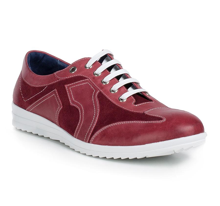 Pánska športová obuv.