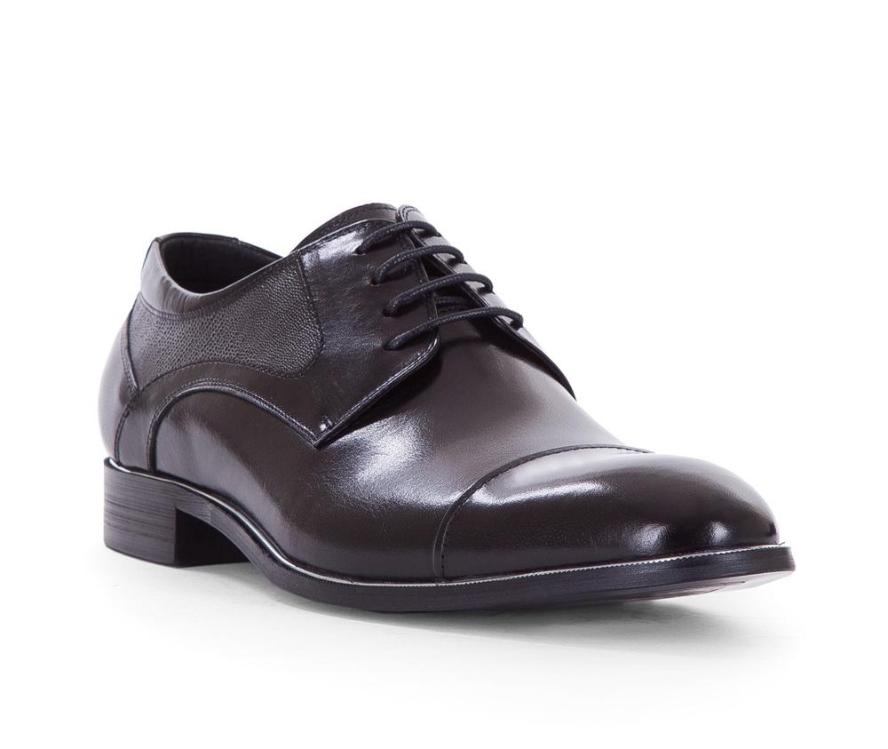 Обувь мужскаяТуфли мужские типа Дерби. Изготовленные по технологии Hand Made и выполнены полностью из натуральной итальянской кожи наивысшего качества. Подошва полностью сделана из качественного синтетического материала. Эта модель идеально подходит для тех кому нравится классика и функциональность.<br><br>секс: мужчина<br>Цвет: черный<br>Размер EU: 45<br>материал:: Натуральная кожа