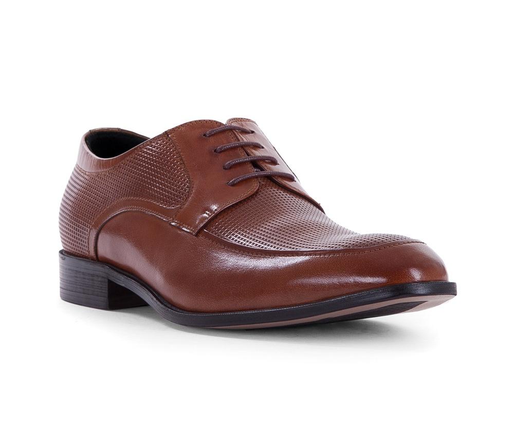 Обувь мужскаяТуфли мужские типа Дерби. Изготовленные по технологии Hand Made и выполнены полностью из натуральной итальянской кожи наивысшего качества. Подошва полностью сделана из качественного синтетического материала. Эта модель идеально подходит для тех кому нравится классика и функциональность.<br><br>секс: мужчина<br>Цвет: коричневый<br>Размер EU: 45<br>материал:: Натуральная кожа