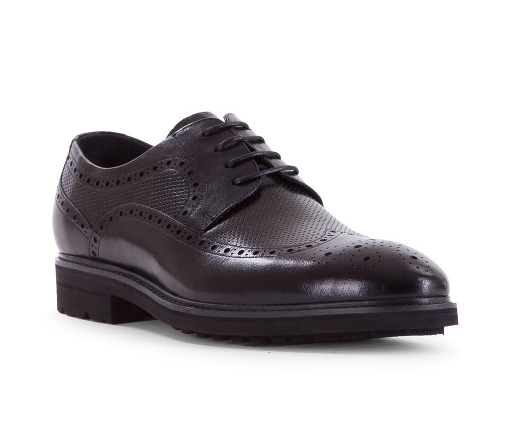 Обувь мужскаяТуфли мужские типа Дерби. Изготовленные по технологии Hand Made выполнены полностью из натуральной итальянской кожи наивысшего качества.<br><br>секс: мужчина<br>Цвет: черный<br>Размер EU: 41<br>материал:: Натуральная кожа<br>примерная высота каблука (см):: 2,5