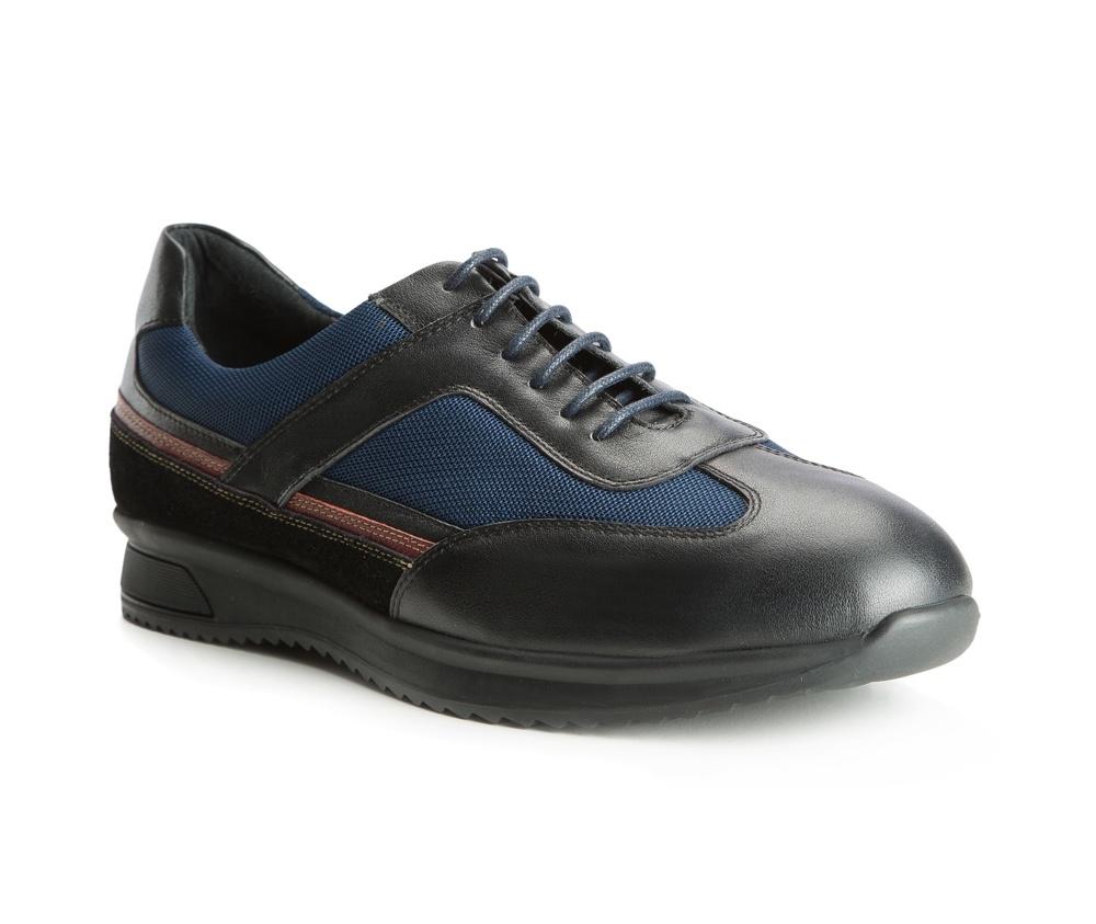 Обувь мужскаяТуфли мужские. Изготовленные по технологии Hand Made выполнены полностью из натуральной итальянской кожи наивысшего качества. Подошва  сделана из качественного синтетического материала. Эта модель безусловно, должна привлечь внимание мужчин, которые любят свободный городской стиль.<br><br>секс: мужчина<br>Цвет: синий<br>Размер EU: 43<br>материал:: Натуральная кожа