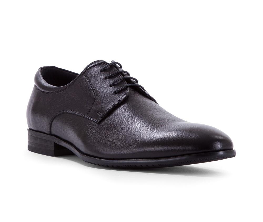 Обувь мужскаяТуфли мужские. Изготовленные по технологии Hand Made выполнены полностью из натуральной итальянской кожи наивысшего качества. Подошва  сделана из качественного синтетического материала. Эта модель безусловно, должна привлечь внимание мужчин, которые любят свободный городской стиль.<br><br>секс: мужчина<br>Цвет: черный<br>Размер EU: 43<br>материал:: Натуральная кожа