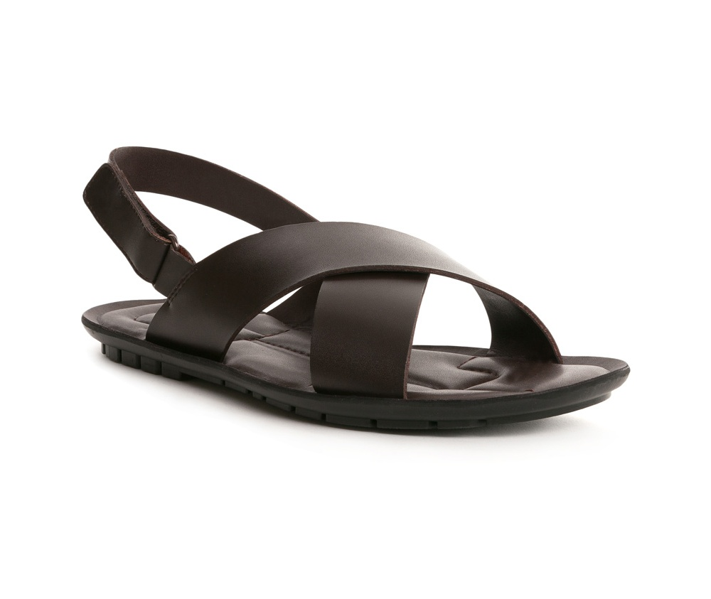 Обувь мужскаяСандалии мужские выполнены по технологии Hand Made из натуральной итальянской кожи наивысшего качества.  Подошва сделана из качественного синтетического материала. Модель, фасон который был выполнен в классическом стиле, выглядит модно во все времена.  натуральная кожа  натуральная кожа синтетический материал<br><br>секс: мужчина<br>Цвет: коричневый<br>Размер EU: 45<br>материал:: Натуральная кожа