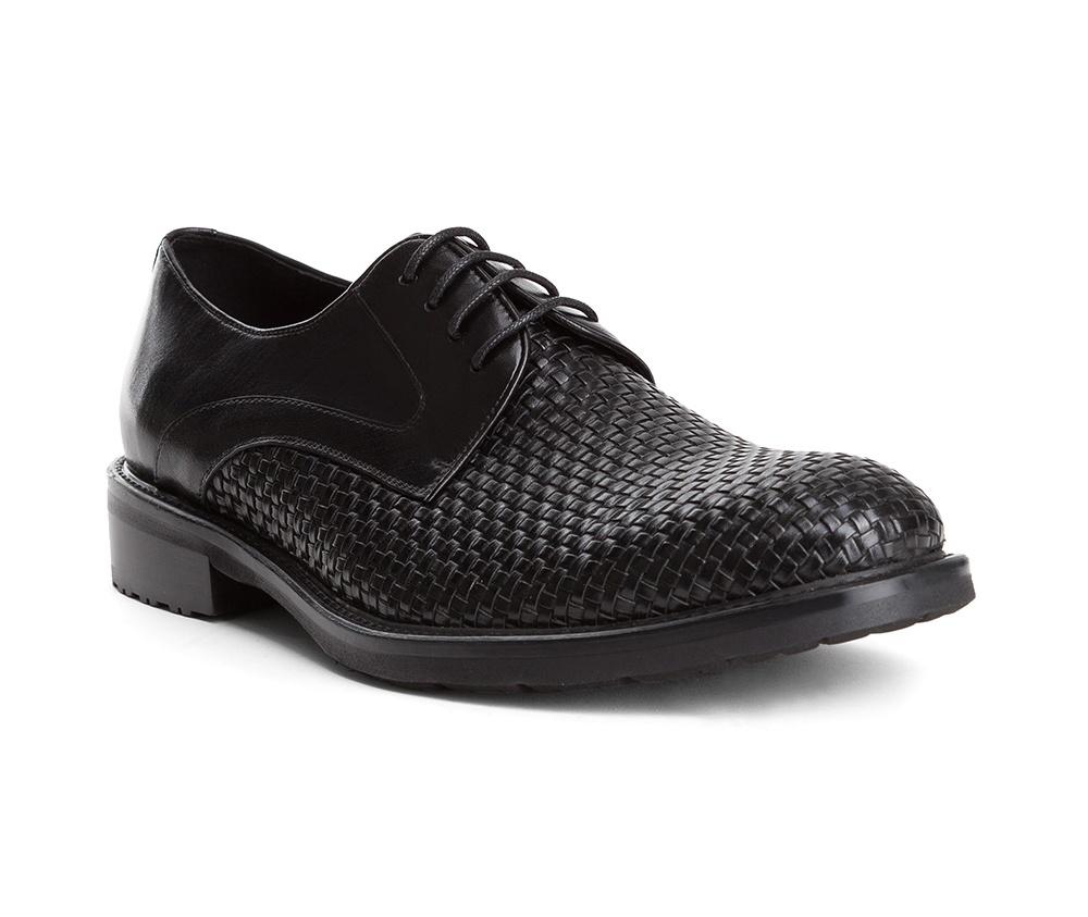 Обувь мужская Wittchen 84-M-814-1, черныйТуфли мужские типа Дерби. Изготовленные по технологии \Hand Made\ и выполнены полностью из натуральной итальянской кожи наивысшего качества. Подошва полностью сделана из качественного синтетического материала. Эта модель идеально подходит для тех кому нравится классика и функциональность.<br><br>секс: мужчина<br>Цвет: черный<br>Размер EU: 41<br>материал:: Натуральная кожа<br>примерная высота каблука (см):: 3