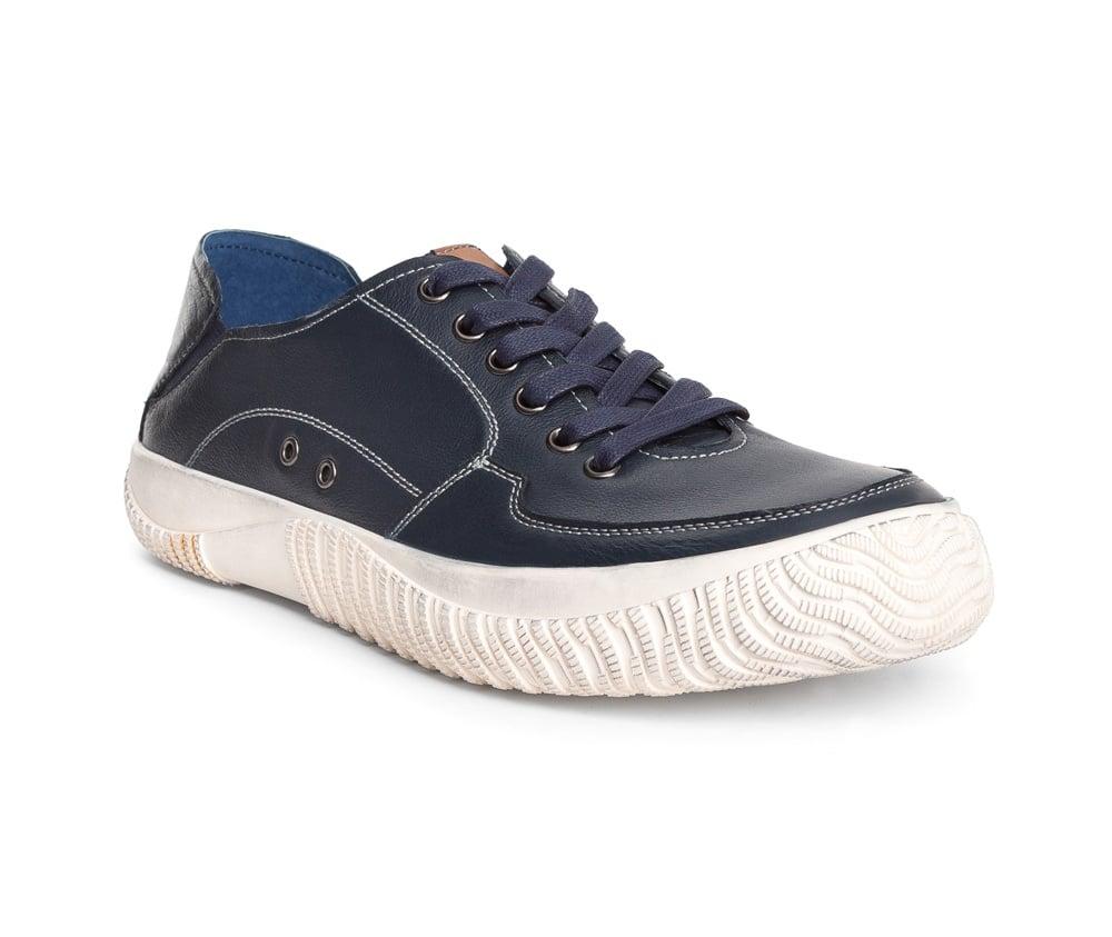 Обувь мужскаяТуфли мужские выполнены по технологии Hand Made из натуральной итальянской кожи наивысшего качества.  Подошва сделана из качественного синтетического материала. Спортивная модель идеально сочетается с городским стилем. натуральная кожа  натуральная кожа синтетический материал<br><br>секс: мужчина<br>Цвет: синий<br>Размер EU: 44<br>материал:: Натуральная кожа