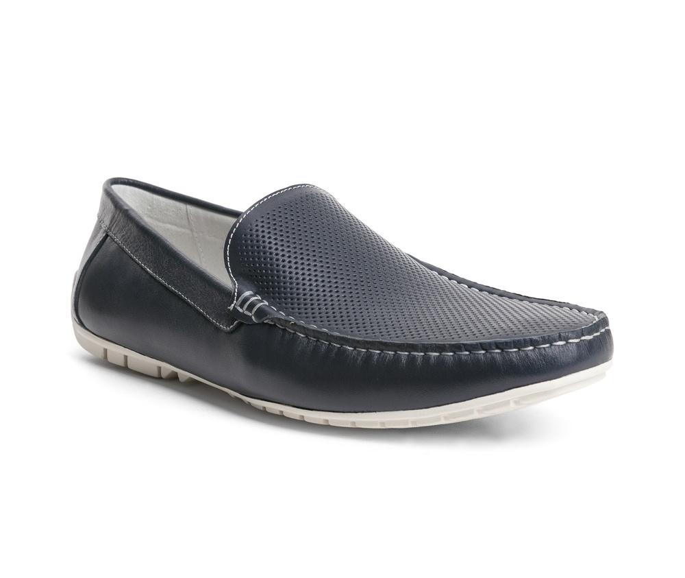 Обувь мужскаяТуфли мужские типа  Мокасины  выполнены по технологии Hand Made из натуральной итальянской кожи наивысшего качества.  Подошва сделана из качественного синтетического материала. Простой универсальный фасон  отлично сочетается с летним гардеробом. натуральная кожа  натуральная кожа синтетический материал<br><br>секс: мужчина<br>Цвет: синий<br>Размер EU: 44<br>материал:: Натуральная кожа