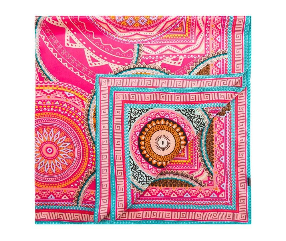 Платок женский Wittchen 84-7D-S31-X10, розовыйШелковый платок для женщин, сделан чрезвычайно трудоемкой техникой прокатки края. Имеет знак качества материала KING SILK. Яркий, модный, шелковый шарф к тому же очень приятный на ощупь. Такой шарф никогда не будет лишним в гардеробе и придаст образу совершенно новый вид. Он идеально подойдет для стильной леди.<br><br>секс: женщина<br>Цвет: розовый<br>материал:: Шелк