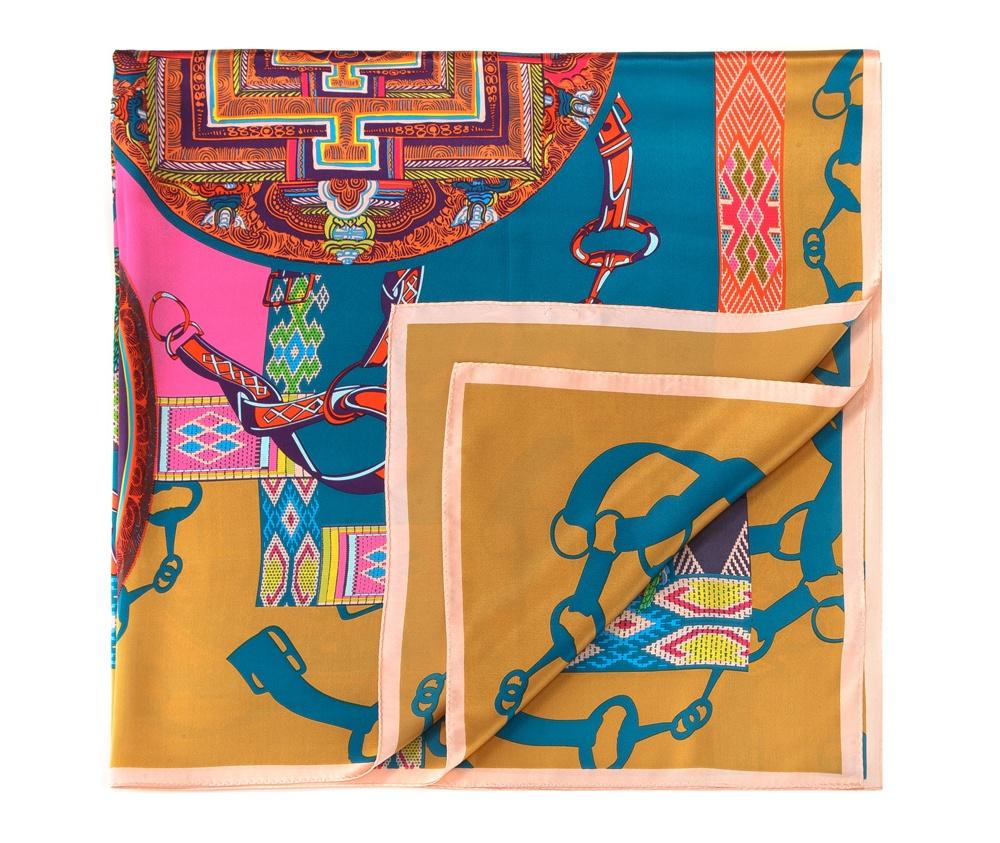 Платок женский шелковыйШелковый шарф для женщин, сделан чрезвычайно трудоемкой техникой прокатки края. Имеет знак качества материала KING SILK. Яркий, модный, шелковый шарф к тому же очень приятный на ощупь. Такой шарф никогда не будет лишним в гардеробе и придаст образу совершенно новый вид. Он идеально подойдет для стильной леди.<br><br>секс: женщина<br>Цвет: разноцветный<br>материал:: Шелк<br>высота (см):: 106<br>ширина (см):: 107