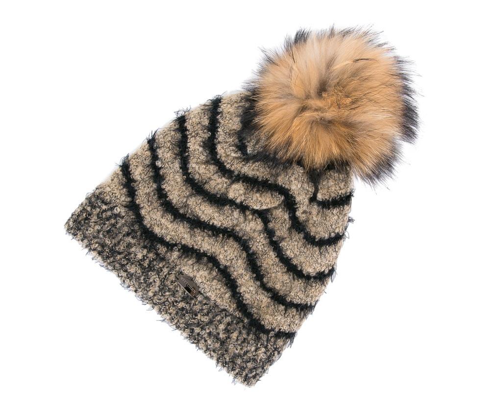 Шапка женскаяЖенская шапка из высококачественного материала с интересным плетением нити. Помпон из натурального меха енота украшает верх шапки чем придает  элегантности в повседневный стиль.<br><br>секс: женщина<br>Цвет: коричневый<br>материал:: Шерсть