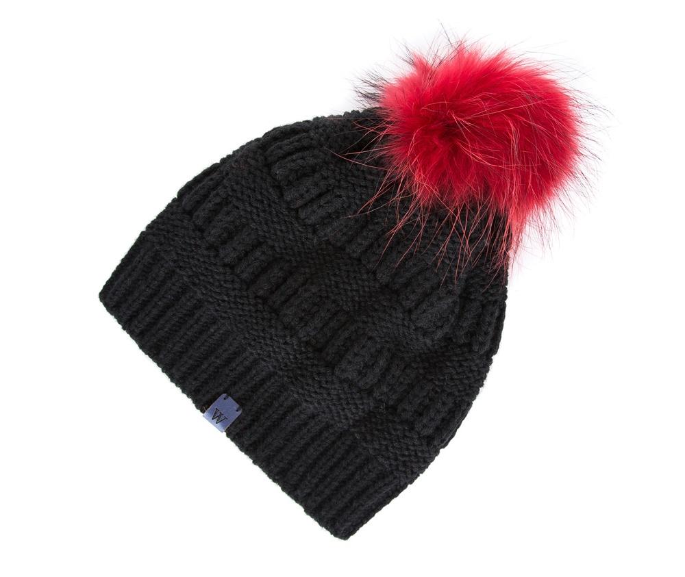 Шапка женскаяЖенская шапка из высококачественного материала с интересным плетением нити. Помпон из натурального меха енота украшает верх шапки чем придает  элегантности в повседневный стиль.<br><br>секс: женщина<br>Цвет: красный<br>материал:: Акрил
