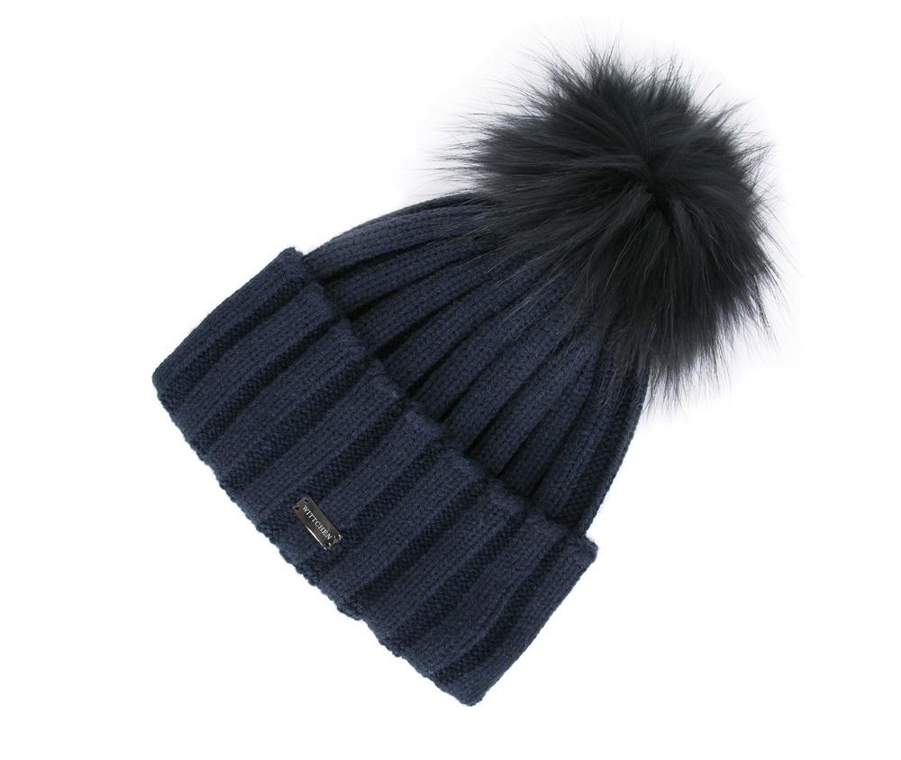 Шапка женскаяЖенская шапка из высококачественного материала с интересным плетением нити. Помпон из натурального меха енота украшает верх шапки чем придает  элегантности в повседневный стиль.<br><br>секс: женщина<br>Цвет: синий<br>материал:: Акрил