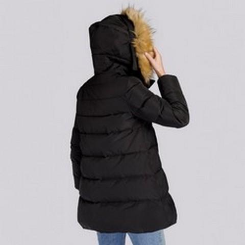 Damska kurtka puchowa z kapturem i wycięciem, czarny, 93-9D-402-1-M, Zdjęcie 1