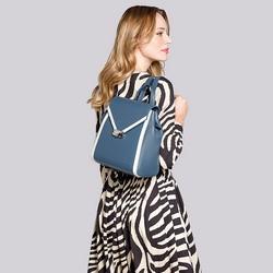 Damski plecak skórzany z kopertową klapą, niebiesko - biały, 92-4E-312-7, Zdjęcie 1