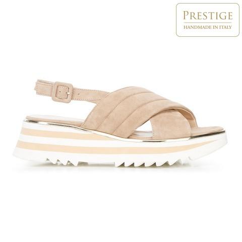 Semišové sandály na platformě/flatformě