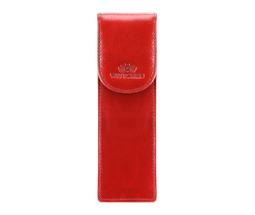 Футляр для ручекФутляр для ручек из коллекции Italy. Сделан из мягкой телячьей кожи. Логотип- герб WITTCHEN тисненый на коже. Футляры - идеальная охрана письменных принадлежностей, благодаря маленьким размерам практичны и удобны. Идеальны во время бизнес встреч, а также в ежедневном использовании. Футляры имеют подарочную упаковку с логотипом WITTCHEN. 2 крепления для ручек<br><br>секс: женщина<br>материал:: натуральная кожа<br>высота (см):: 17<br>ширина (см):: 5<br>глубина (см):: 2