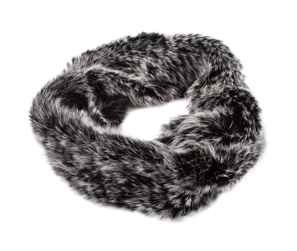 Шарф-снудШарф-снуд сделан из натурального кроличьего меха, модель является идеальным дополнением для каждого стиля.<br><br>секс: женщина<br>Цвет: серый<br>высота (см):: 17<br>обхват:: 80