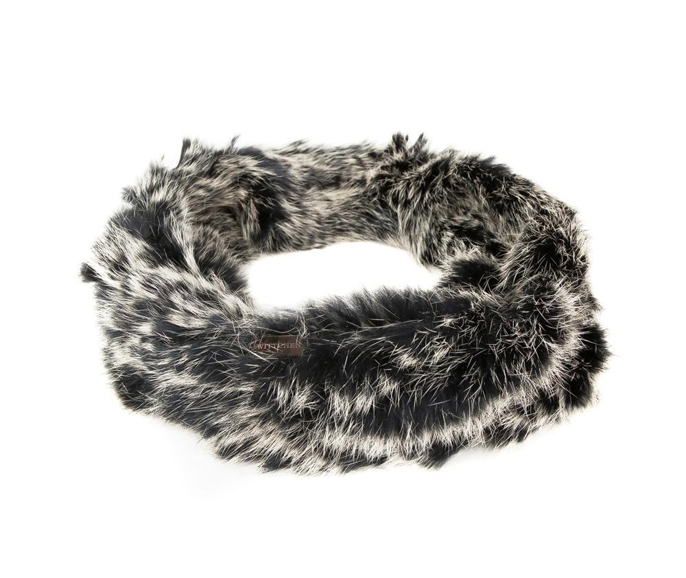 Шарф-комин женскийШарф-снуд выполнен из натурального кроличьего меха. Невероятно нежнаяя на ощупь модель обеспечивает идеальную защиту от холода и элегантно дополненяет каждый образ.<br><br>секс: женщина<br>Цвет: черный<br>материал:: Мех шерстяной<br>высота (см):: 16