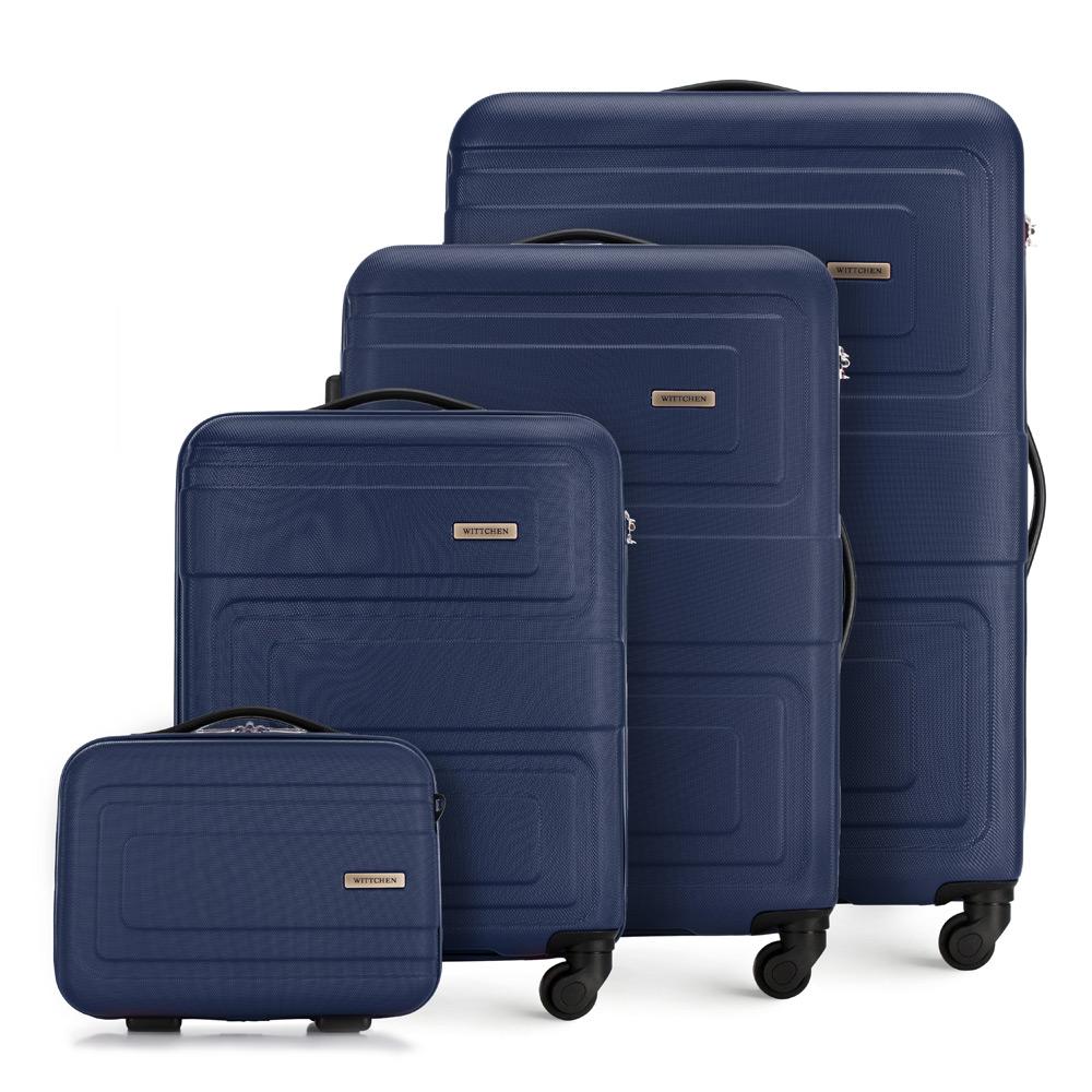 Sada kufrov z kolekcie Tour v granátovom prevedení.