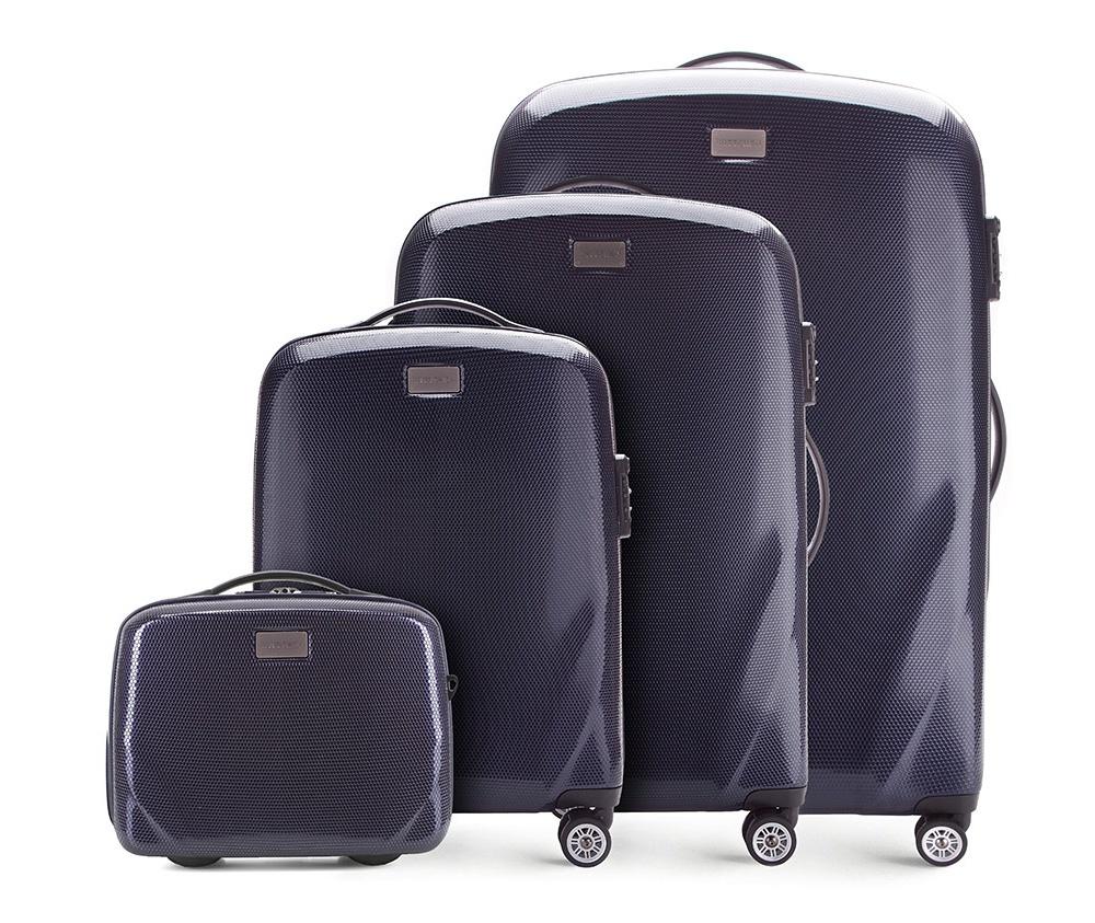 Комплект чемодановКомплект чемоданов из коллекции PC Ultra Light., изготовлен из прочного материала - поликарбонат.  Дополнительно покрыт специальным покрытием, повышающим устойчивость к царапинам.  Имеет 4 колесика сделанные из пластика ABS с термопластичным покрытием, трехступенчатая выдвижная ручка, прорезиненная ручка для ношения в руке.  Дополнительно кодовый замок TSA, который гарантирует безопасное открытие чемоданов и его повторное закрытие без повреждения замка сотрудниками таможни. В состав комплекта входят: Косметичка имеет съемный регулируемый ремень и ремень  для закрепления на ручке чемодана.  Особенности модели:  отделение с эластичными ремнями, предохраняющими одежду от перемещения;;  отделение на молнии;  2 кармана из сетки на молнии.     В состав комплекта входят:    Маленький чемодан  на колесах 56-3-571  средний чемодан на колесах 56-3-572  большой чемодан на колесиках 56-3-753  Косметичка 56-3-574<br><br>секс: унисекс<br>Цвет: синий<br>материал:: Поликарбонат<br>подкладка:: полиэстер<br>высота (см):: 56 - 68 - 79 - 31<br>ширина (см):: 37 - 46 - 53 - 34<br>глубина (см):: 20 - 23 - 27 - 16<br>размер:: комплект<br>объем (л):: 11 - 32 - 63 - 95<br>вес (кг):: 2,3 - 3,2 - 3,7 - 1,1<br>Комплекты: так