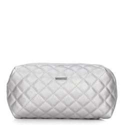 Quilted toiletry bag, silver, 92-3-102-S, Photo 1