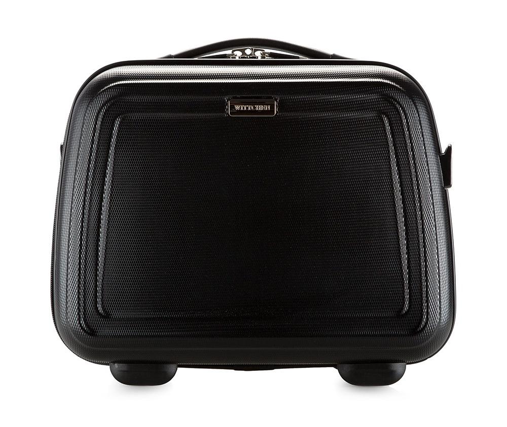 Бьюти-кейсБьюти-кейс из коллекцииWave Line, выполнен из высокопрочного пластика ABS. Имеет удобную ручку, съемный регулируемый плечевой ремень и может крепится на рукоятке чемодана.&#13;<br>Особенности модели: &#13;<br>&#13;<br>    основное отделение с эластичными ремешками;&#13;<br>    клапан с застежкой;&#13;<br>    3 кармана для мелких предметов,  один из которых на молнии.<br><br>секс: унисекс<br>Цвет: черный<br>материал:: ABS пластик<br>подкладка:: полиэстер 210D<br>высота (см):: 30<br>ширина (см):: 34<br>глубина (см):: 17<br>вес (кг):: 1<br>объем (л):: 12