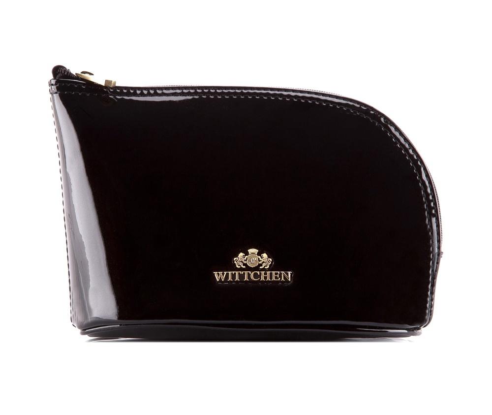 КосметичкаКосметичка из коллекции Verona. Изготовлена из лакированной     телячьей кожи высочайшего качества. Логотип- металлический значок с     гербом WITTCHEN цвета старого золота.&#13;<br>Внутри:&#13;<br>&#13;<br>    отделение на молнии&#13;<br>    внутренний карман на молнии&#13;<br>    карман-сетка.<br><br>секс: женщина<br>Цвет: черный<br>материал:: лакированная кожа