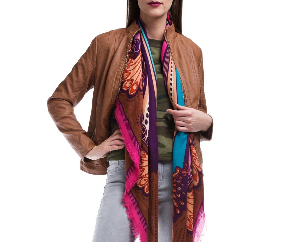 Куртка ЖенскаяКуртка изготовлена ??из высококачественных материалов, которые обеспечивают комфорт. Модель на застегивается с помощью молнии, со стоячим воротником. Имеет два внешних кармана на молнии. Интересные швы на плечах и локтях добавляют неповторимый акцент.<br><br>секс: женщина<br>Цвет: коричневый<br>Размер INT: XL