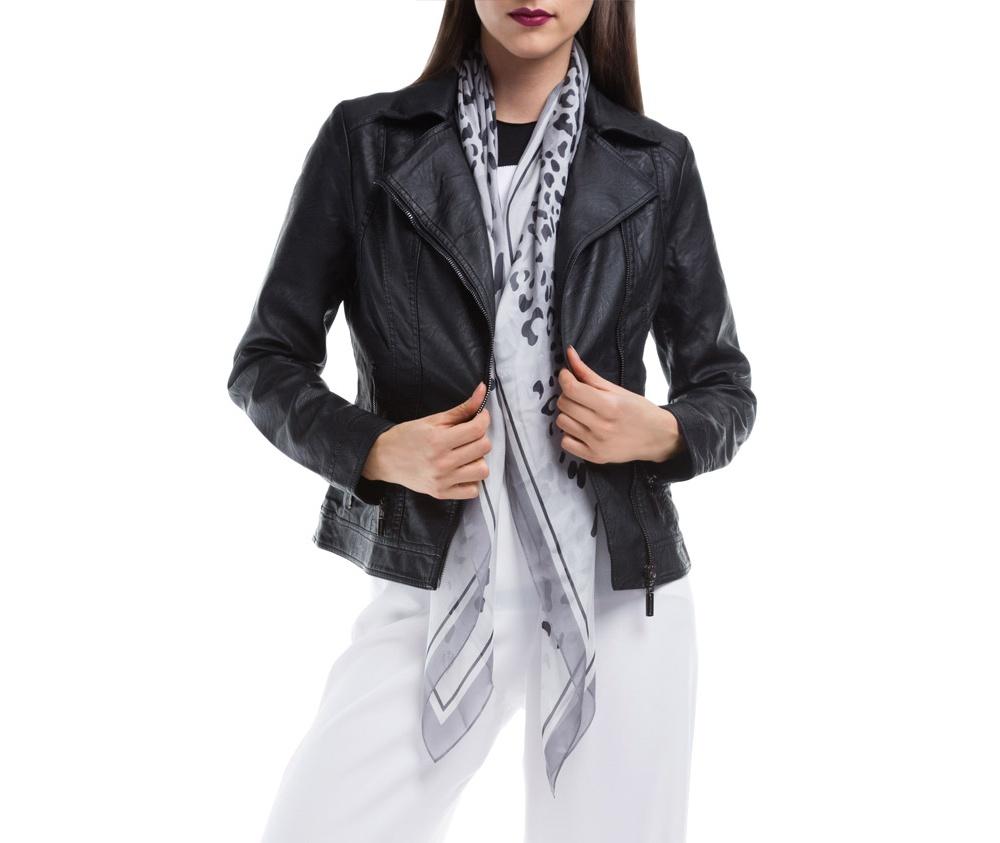Куртка ЖенскаяКуртка изготовлена ??из высококачественных материалов, которые обеспечивают комфорт. Модель на застегивается с помощью молнии, со стоячим воротником. Имеет два внешних кармана на молнии. Интересные швы на плечах и локтях добавляют неповторимый акцент.<br><br>секс: женщина<br>Цвет: черный<br>Размер INT: XXL