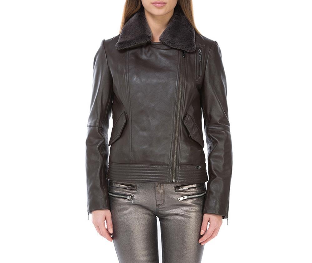 Куртка женскаяЖенская куртка выполнена из высококачественной мягкой натуральной кожи. Модель застегивается на молнию, отделка отложным воротником из  овчины. Дополнительно 2 внешних кармана  на кнопоках и молнии на руковах для регулирования ширины. Модель сочетает в себе комфорт и элегантность.<br><br>секс: женщина<br>Цвет: коричневый<br>Размер INT: S<br>материал:: Натуральная кожа<br>подкладка:: полиэстер<br>примерная общая длина (см):: 58