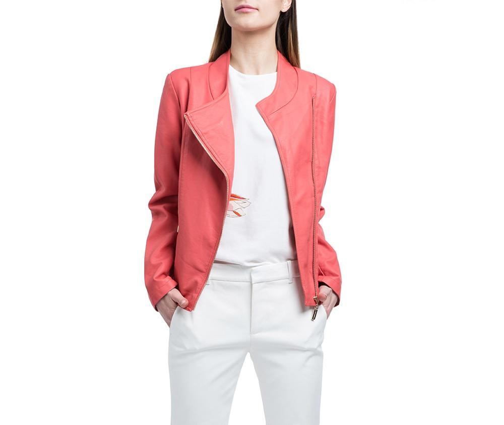 Куртка женскаяКуртка типа рамонеска, изготовленная из высококачественных материалов. Модель на молнии с широким воротником. Классический стиль для каждой девушки.<br><br>секс: женщина<br>Цвет: розовый<br>Размер INT: L<br>материал:: Полиуретан<br>подкладка:: полиэстер<br>примерная общая длина (см):: 60