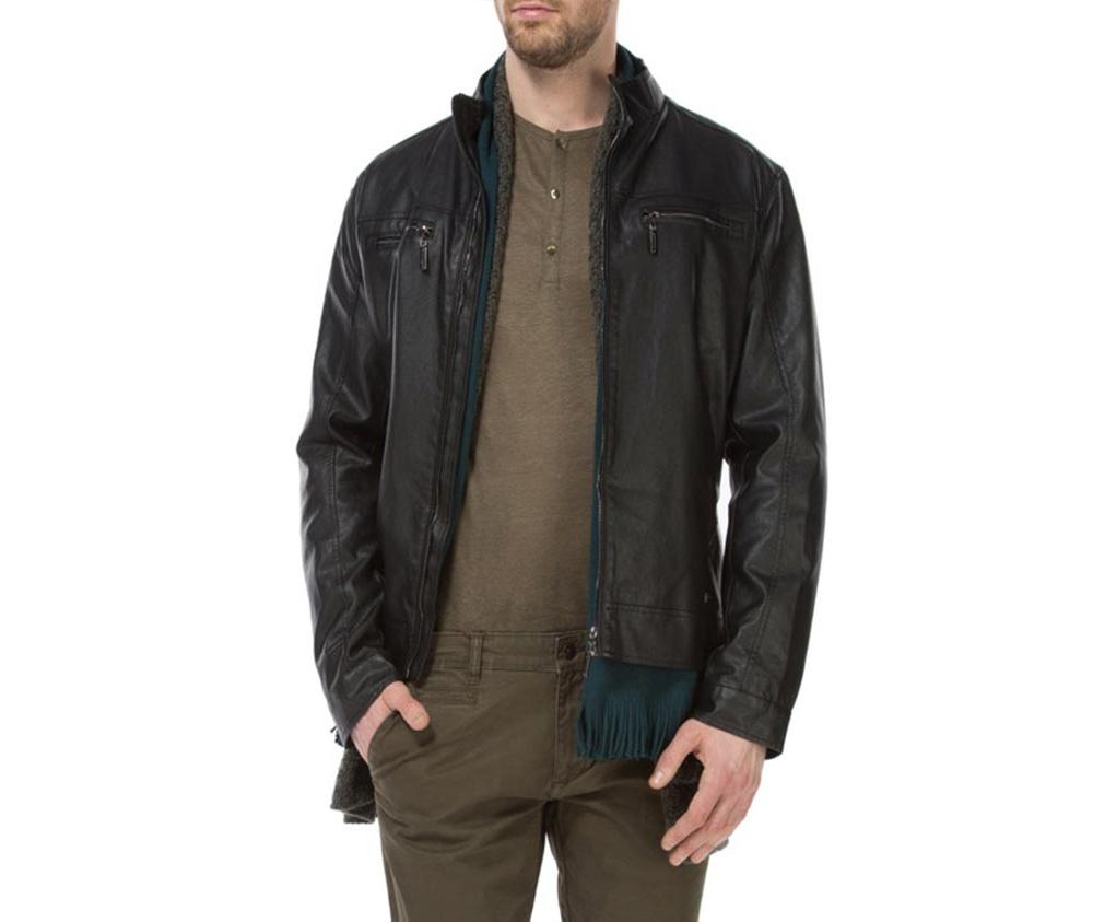 Куртка мужскаяМужская куртка изготовлена из экологической, мягкой кожи. Модель застегивается на молнию. Имеет 4 кармана внешних - 2 на молнии и 2 открытых, а также 2 внутренних открытых кармана. кармана . Простой фасон куртки подойдет ко многим мужским стилям<br><br>секс: мужчина<br>Цвет: черный<br>Размер INT: M<br>материал:: Натуральная кожа<br>подкладка:: полиэстер<br>примерная общая длина (см):: 66