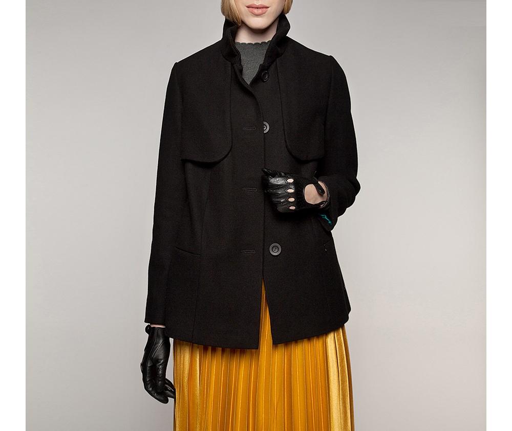 Куртка женская Wittchen 85-9W-101-1, черныйКуртка женская<br><br>секс: женщина<br>Цвет: черный<br>Размер INT: L<br>материал:: Полиэстер<br>подкладка:: acetat<br>примерная общая длина (см):: 75