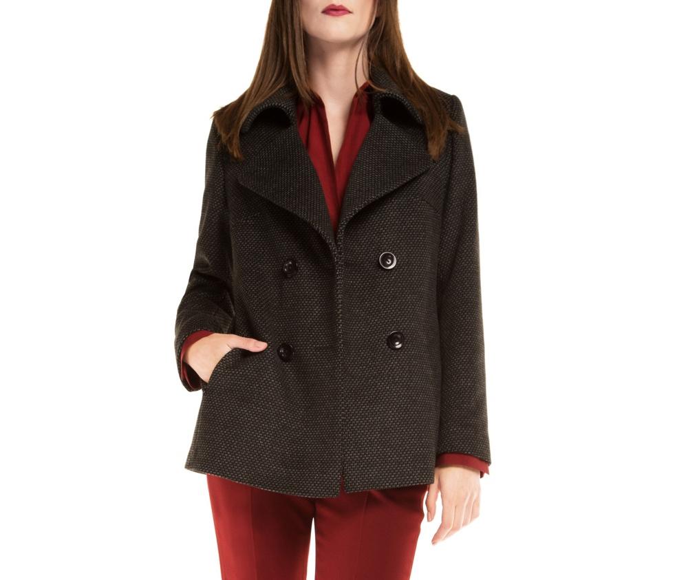 Куртка женскаяПальто женское выполнено из высококачественных материалов с добавлением полиэстера, что предотвращает смятие. Модель пальто с отложным воротником. Пальто имеет 2 открытых внешних кармана.Это отличный выбор, который станет идеальным дополнением классического стиля.<br><br>секс: женщина<br>Размер INT: XXL
