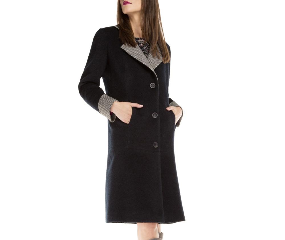 Пальто женскоеЖенское пальто из шерсти, с добавлением полиэстера. Такое сочетание материала предотвращает смятие и электризацию. Модель с отложным воротником и  2 открытыми внешними карманами.Это отличный выбор, который будет идеальным дополнением классического стиля.<br><br>секс: женщина<br>Размер INT: S