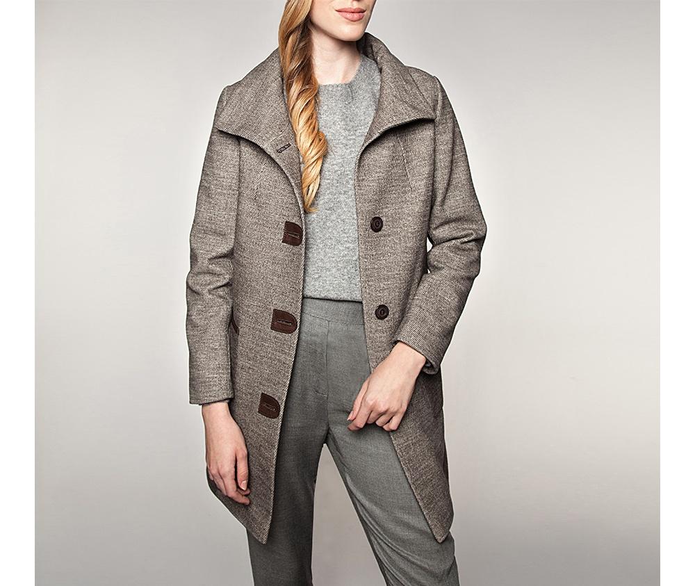 Пальто женскоеПальто женское<br><br>секс: женщина<br>Цвет: коричневый<br>Размер INT: M<br>материал:: Полиэстер<br>подкладка:: полиэстр<br>примерная общая длина (см):: 94