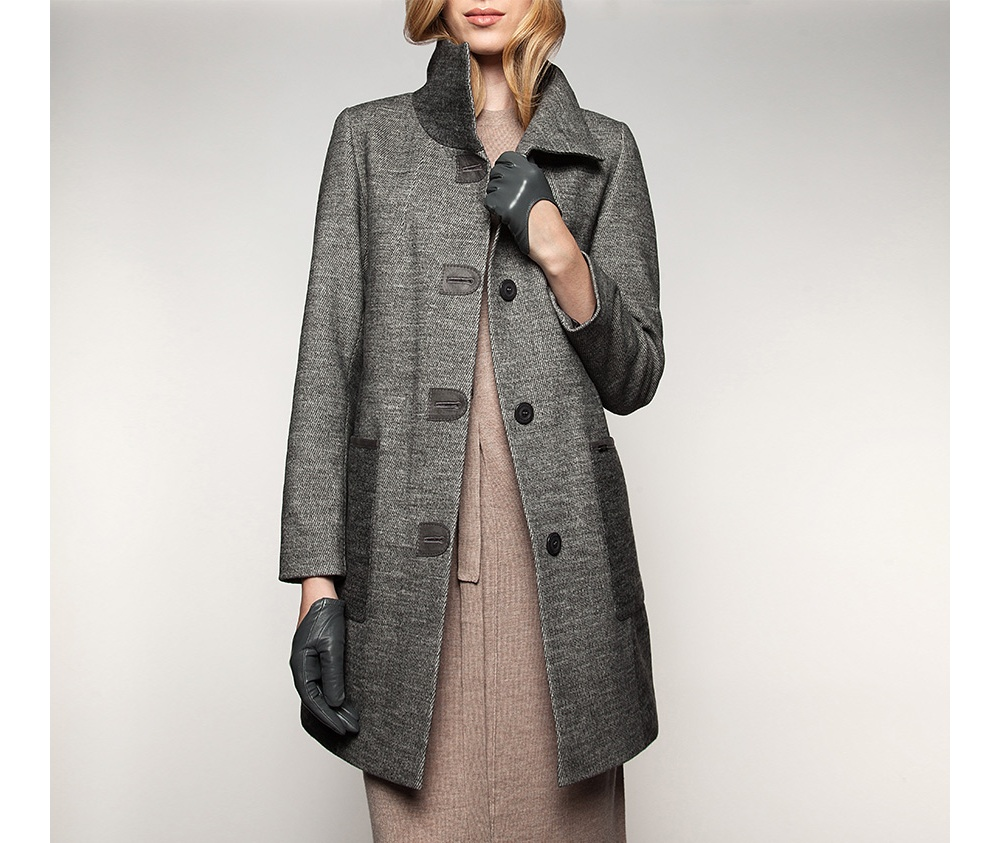 Пальто женскоеПальто женское<br><br>секс: женщина<br>Цвет: серый<br>Размер INT: XXL<br>материал:: Полиэстер<br>подкладка:: полиэстр<br>примерная общая длина (см):: 94