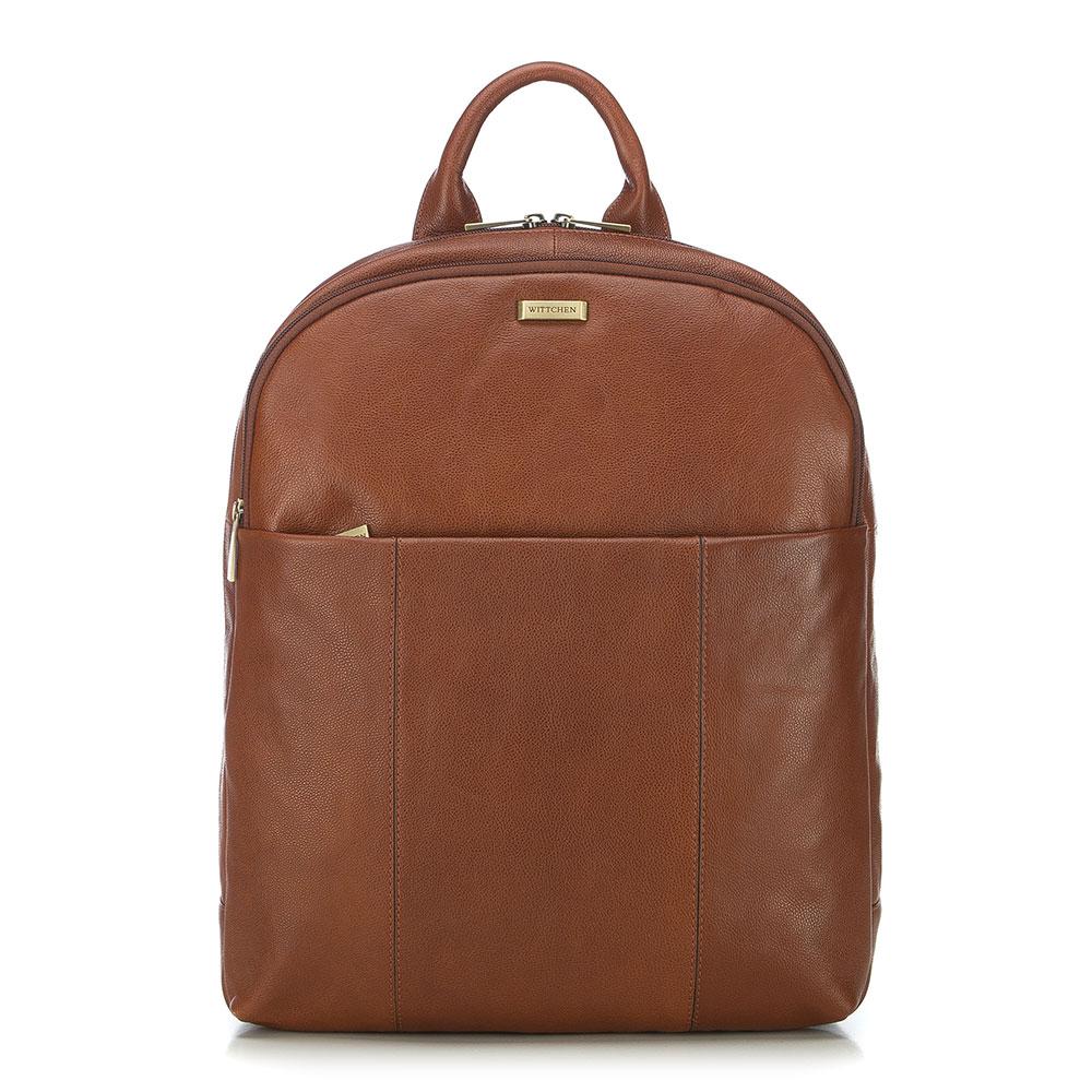 Hnedý batoh na notebook v koňakovom prevedení.