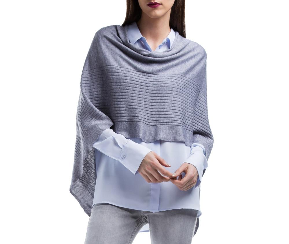 ПончоПончо женские, изготовленные из высококачественных материалов. Модель является прекрасной альтернативой для платка или шарфа, обеспечивая еще больший комфорт и защиту от непогоды.<br><br>секс: женщина<br>Цвет: серый<br>материал:: Полиэстер