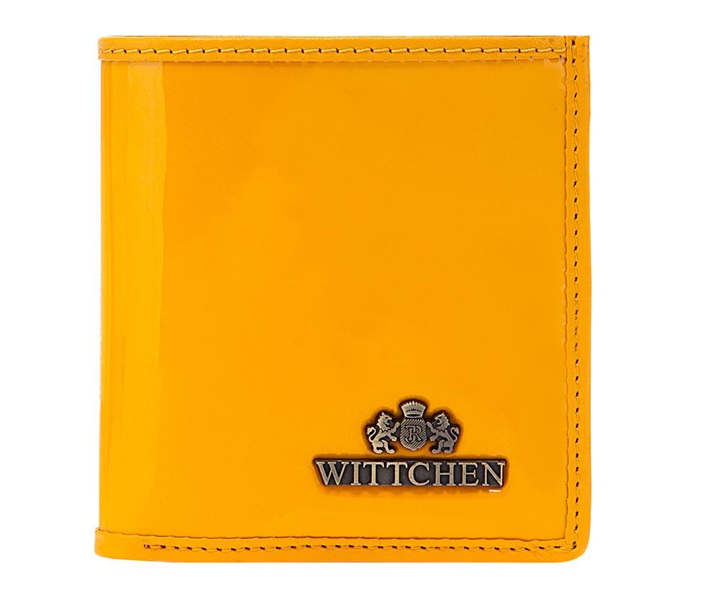 Кожаный кошелек Wittchen 25-1-065-Y, желтыйКомпактный женский кошелекиз коллекции Verona. Изготовлен из лакированной телячьей кожи высочайшего качества, внутренняя отделка кошелька из натуральной кожи, благодаря чему кошелек очень функционален и практичен. Логотип - металлический значок с гербом WITTCHEN цвета старого золота. Упакован в эксклюзивную упаковку с фирменным логотипом WITTCHEN.    Особенности модели:        отделение для мелочи ;   2 отделения для купюр;   3 слота для кредитных карт;   2 кармана.<br><br>секс: женщина<br>Цвет: желтый<br>материал:: Натуральная кожа<br>высота (см):: 10<br>ширина (см):: 9,5<br>глубина (см):: 2
