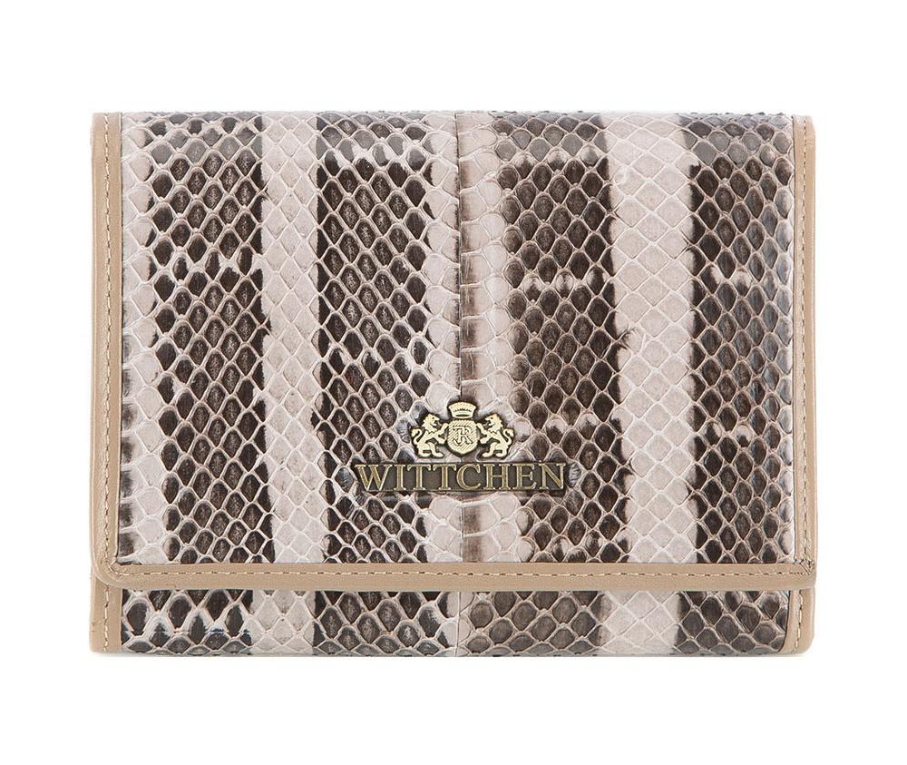 ПортмонеСредней величины портмоне из коллекции Snake, сделан из натуральной кожи стилизованной под змеиную кожу. Логотип- металлический значок с гербом WITTCHEN цвета старого золота. Упакован в подарочную упаковку с фирменным логотипом WITTCHEN.Особенности модели:    отделение для мелочи    отделение для купюр    6 слотов для кредитных карт    8 карманов, из которых 1 прозрачный и 1 на молнии.<br><br>секс: женщина<br>Цвет: бежевый<br>материал:: натуральная кожа<br>высота (см):: 9.5<br>ширина (см):: 12