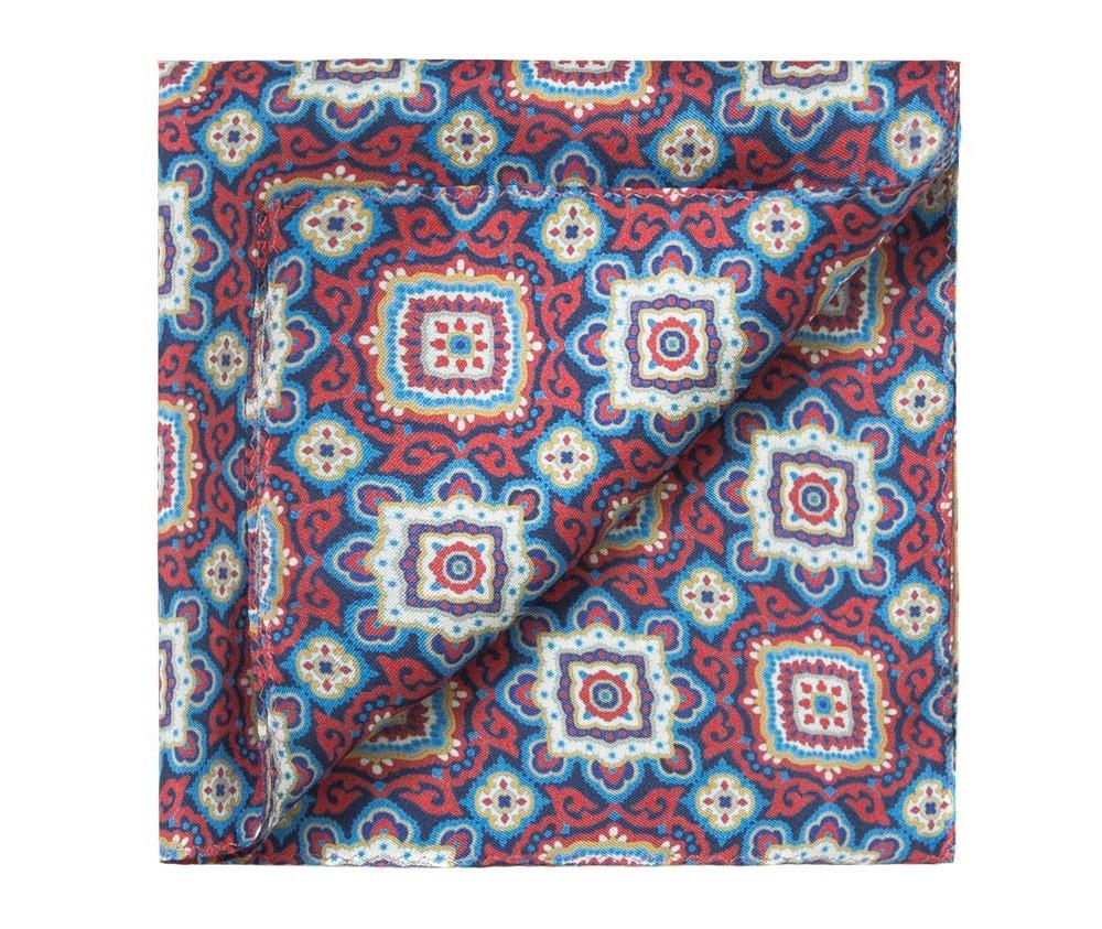 ПлатокПлаток-паше  выполнен из шелка со знаком наивысшего качества King Silk.  Выразительные узоры на платке будут хорошо гармонировать с однотонным галстуком , прекрасно дополнит мужской образ и придаст ему благородный характер.<br><br>секс: мужчина<br>материал:: Шелк<br>высота (см):: 33<br>ширина (см):: 33