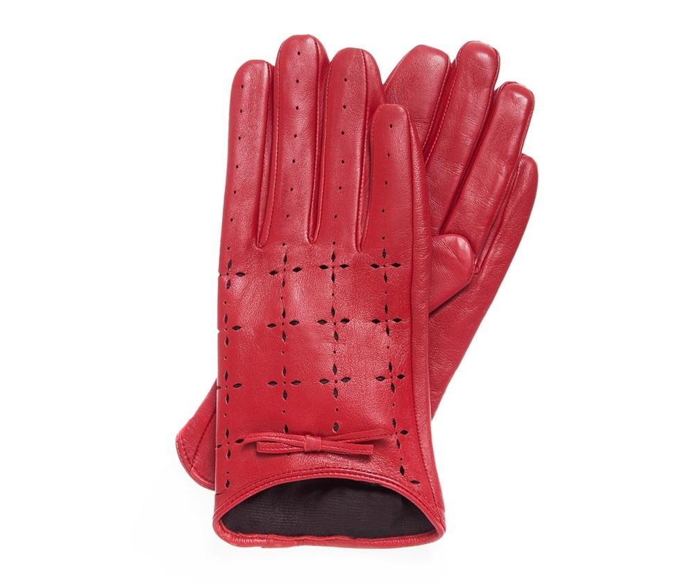 Перчатки женскиеКлассические женские неутепленные перчатки выполнены из высококачественной натуральной кожи.<br><br>секс: женщина<br>Размер INT: L<br>вид:: неутепленные<br>материал:: Натуральная кожа<br>подкладка:: полиэстр