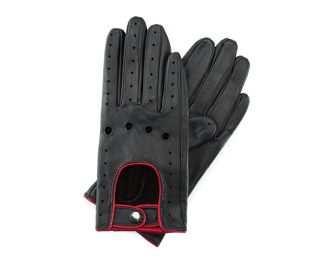 Перчатки женскиеЖенские автомобильные перчатки, изготовлены из натуральной кожи высокого качества. Застежка на кнопке, безусловно, облегчает надевание перчаток, а оригинальные вырезы придаёт им современный характер.     Размер  V  S  M  L  XL      Длина (cм)  18  18,5  19  20  20,5      Ширина (cм)  7,5  8  8,5  9  9,5      Длина среднего палеца (cм)  7  7,5  8  8,5  9<br><br>секс: женщина<br>Цвет: красный<br>Размер INT: L<br>вид:: автомобильные<br>материал:: Натуральная кожа