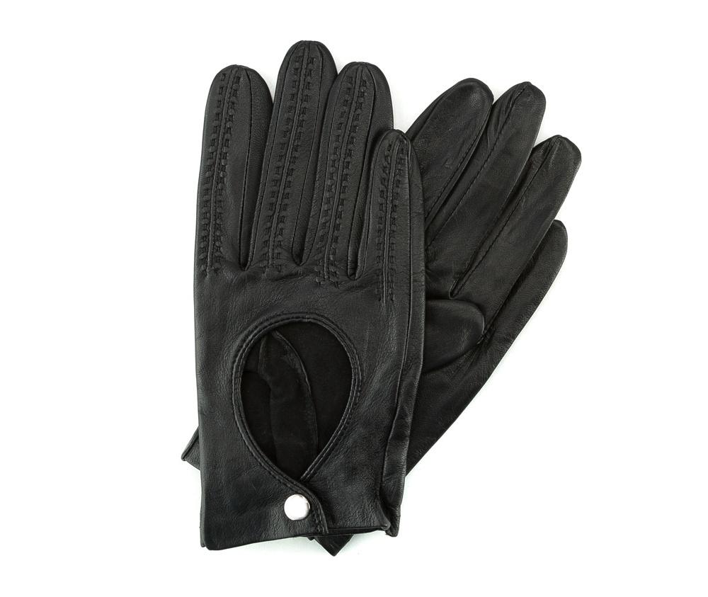 Перчатки женскиеЖенские автомобильные перчатки, изготовлены из натуральной кожи высокого качества.Они не только практичы,но и чрезвычайно привлекательны. Дополнительным преимуществом является кнопка для легкого надевания перчаток.       Размер  V  S  M  L  XL      Длина (cм)  18,5  19  19,5  20  20.5      Ширина (cм)  8  8,5  9  9,5  10      Длина среднего палеца (cм)  7,5  8  8,5  9  9,5<br><br>секс: женщина<br>Цвет: черный<br>Размер INT: L<br>материал:: Натуральная кожа