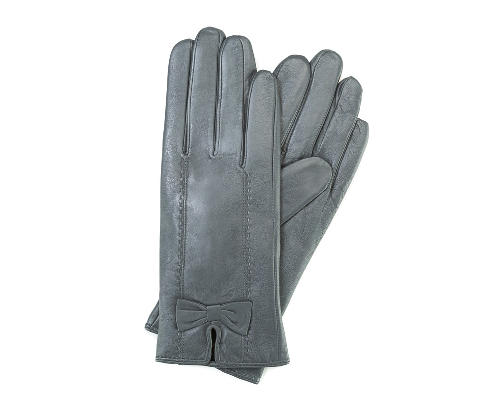 Перчатки женские кожаныеПерчатки женские кожаные<br><br>секс: женщина<br>Цвет: серый<br>Размер INT: M