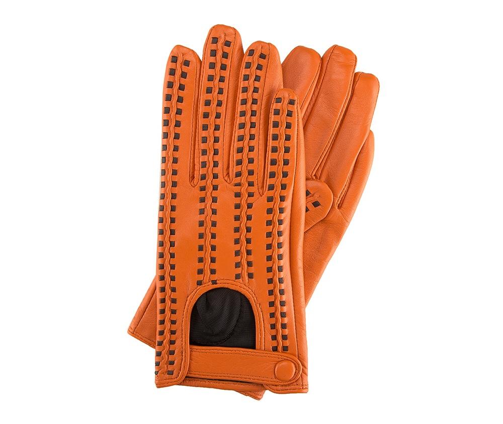 Перчатки женские автомобильныеЖенские автомобильные перчатки, изготовлены из натуральной кожи высокого качества. Застежка на кнопке, безусловно, облегчает надевание перчаток и придает им оригинальный и женственный внешний вид.       Размер V  S  M  L  XL  Длина (см) 19  19,5  20  20,5  21 Ширина (см) 7,5  8  8,5  9  9,5 Длина среднего палеца (см) 7,5 8 8,5 9 9,5<br><br>секс: женщина<br>Цвет: оранжевый<br>Размер INT: M<br>материал:: Натуральная кожа