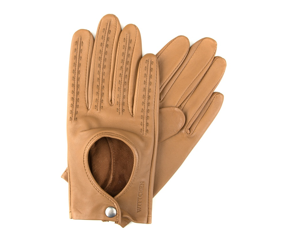 Перчатки женские автомобильныеЖенские автомобильные перчатки, изготовлены из натуральной кожи высокого качества.Они не только практичы,но и чрезвычайно привлекательны. Дополнительным преимуществом является кнопка для легкого надевания перчаток.       Размер  V  S  M  L  XL      Длина (cм)  18  18,5  19  19,5  20      Ширина (cм)  8  8,5  9  9,5  10      Длина среднего палеца (cм)  7,5  8  8,5  9  9,5<br><br>секс: женщина<br>Цвет: коричневый<br>Размер INT: S<br>вид:: автомобильные<br>материал:: Натуральная кожа